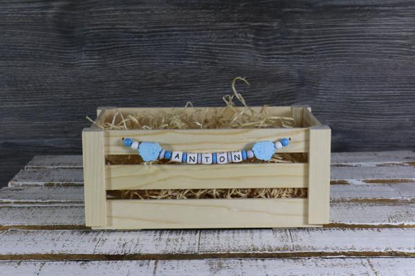 Osterkörbchen Holz mit blauer Namenskette