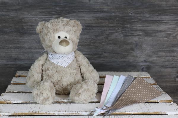 Kuscheltier Bär braun mit besticktem Halstuch