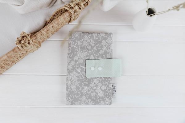 Windeltasche Blumenranke grau-mint (mit Öffnung)