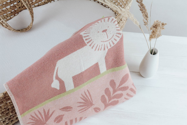 Babydecke Löwe rosa weiß